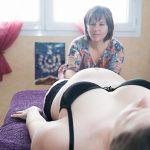 Massage des jambes femme enceinte